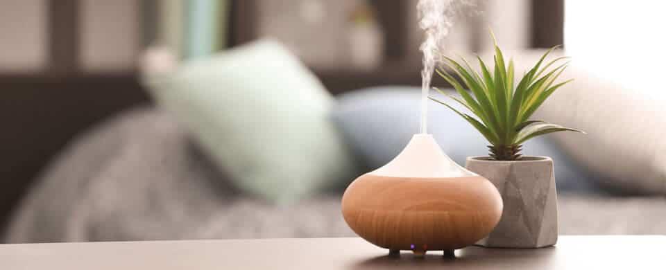 Ejemplo de humidificador de aire en la habitación de un hogar