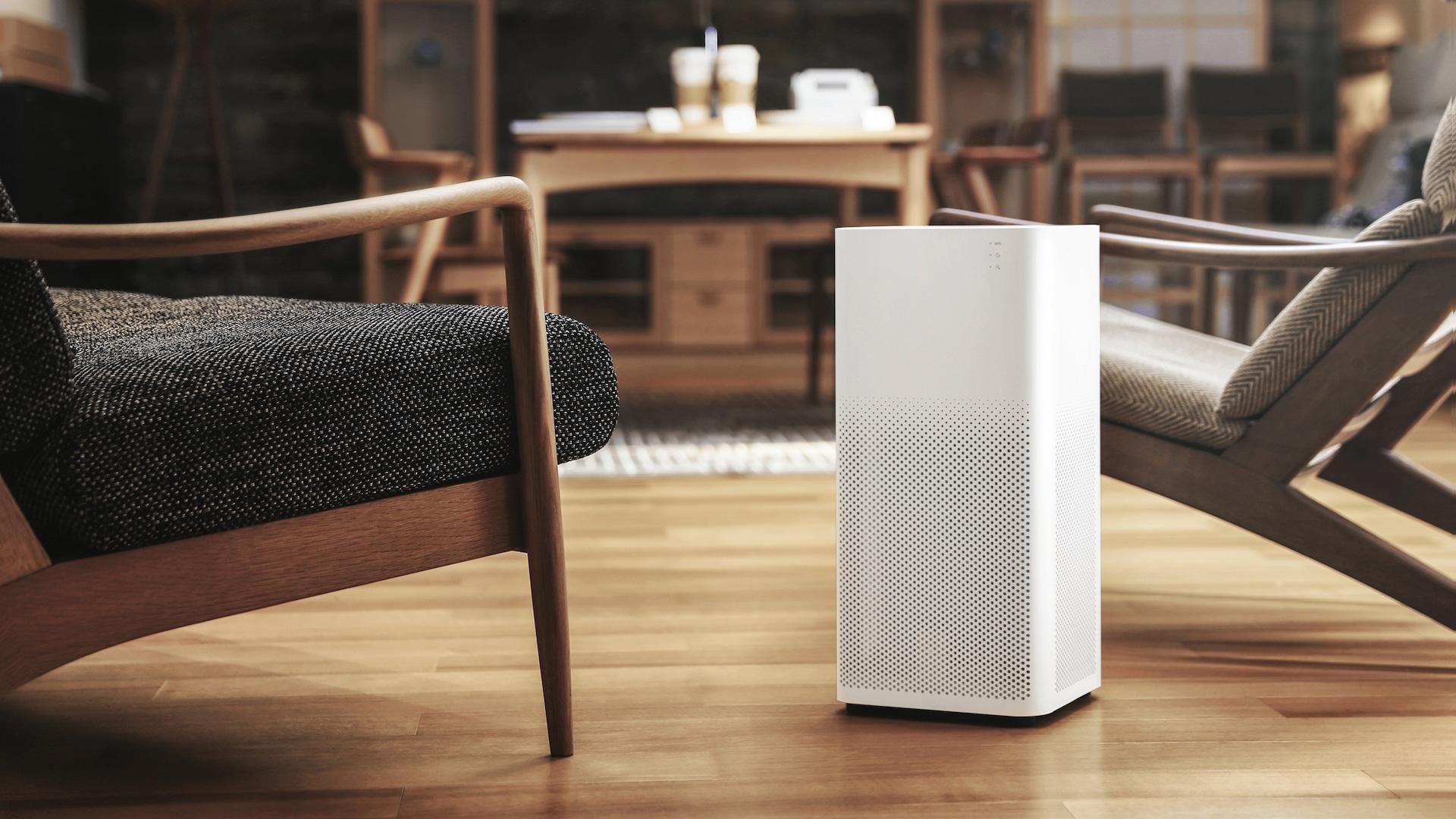 Ejemplo de purificador de aire en la habitación de un hogar